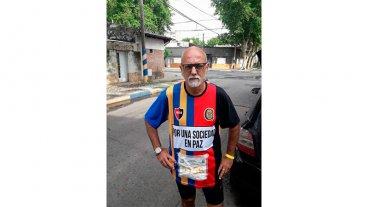 Quiso correr una maratón para difundir un mensaje de paz y fue amenazado