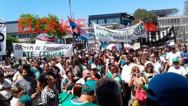 Gremios se manifestaron frente a Casa de Gobierno contra la reforma previsional