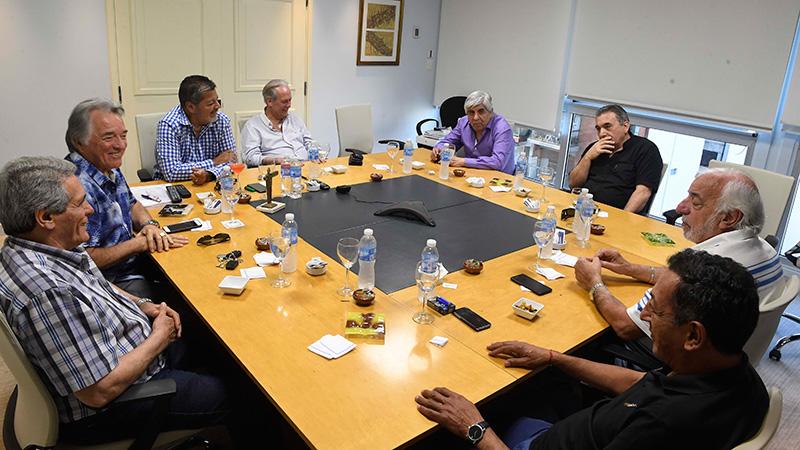 Barrionuevo en una reunión de la CGT