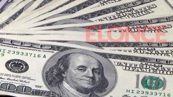 El dólar cortó la racha de cinco subas y bajó seis centavos: Cerró a $19,16