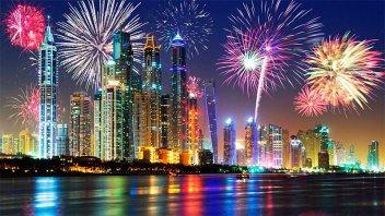 Los videos de los espectáculos de fuegos artificiales por Año Nuevo en el mundo
