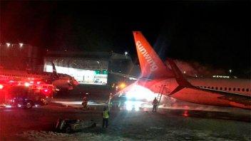 Causó pánico el choque de dos aviones en el aeropuerto de Toronto