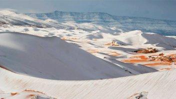 Inusuales postales: El desierto del Sahara se cubrió de nieve