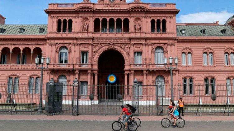 El gobierno adelantará el pago del aguinaldo y bono a estatales nacionales