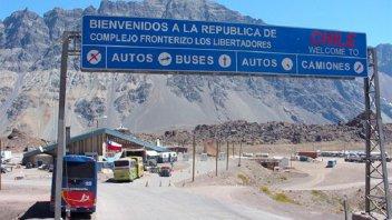Crisis en Chile: volvieron a cerrar el Paso Cristo Redentor por toque de queda
