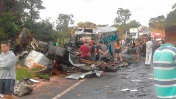 Al menos 13 muertos tras un choque múltiple en un autopista de Brasil