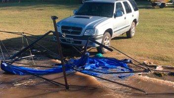 Camioneta sin conductor atropelló y mató a médico que descansaba en un gazebo