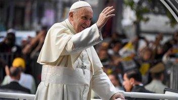 Francisco celebra hoy su primera misa en Chile y visitará una cárcel de mujeres
