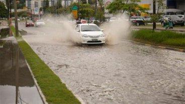 Nuevas lluvias complican a quienes vacacionan en el sur de Brasil: Fotos