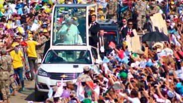 El Papa celebró multitudinaria Misa en la ciudad peruana de Trujillo