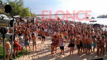 La Fiesta de la Playa convocó a gran cantidad de jóvenes en Villa Urquiza