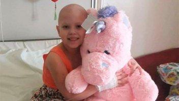 Falleció tras luchar contra el cáncer y donarán sus muñecas a niñas del Chaco
