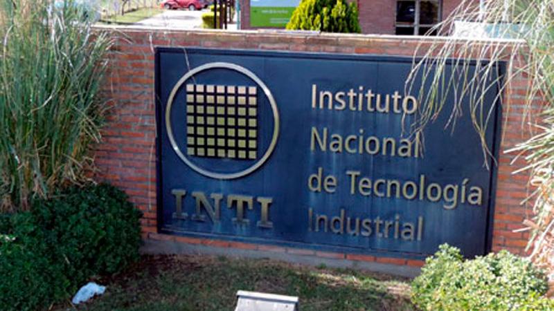 Trabajadores toman la planta por 250 despidos — INTI