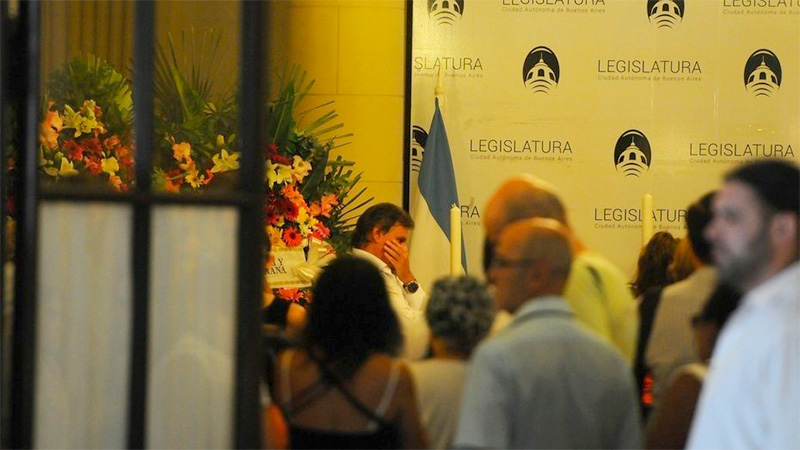 Enrique Sacco, en el velatorio realizado en la Legislatura Porteña.
