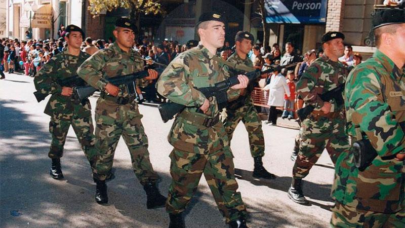 """""""Recordando mis desfiles militares"""", posteó el cabo en su Facebook en 2015"""