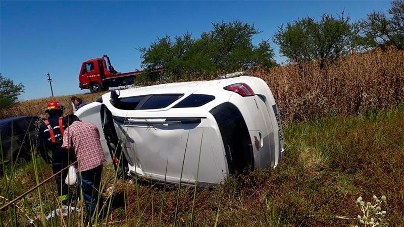 El reventón de un neumático desencadenó un choque sobre la Autovía Artigas