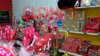 Flores y bombones, los clásicos regalos para el Día de los Enamorados