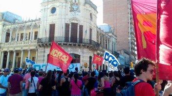 Jornada de lucha: Agrupaciones sociales se manifestaron en el centro de Paraná