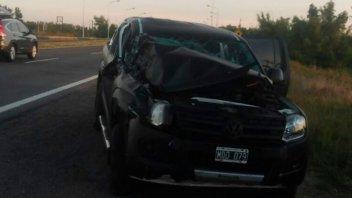 Camioneta chocó contra otro vehículo y cuatro personas sufrieron lesiones