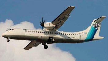 Un avión con unos 60 pasajeros a bordo se estrelló en Irán