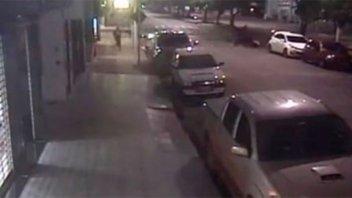 Video: tras un robo, ladrón fue atropellado por sus cómplices