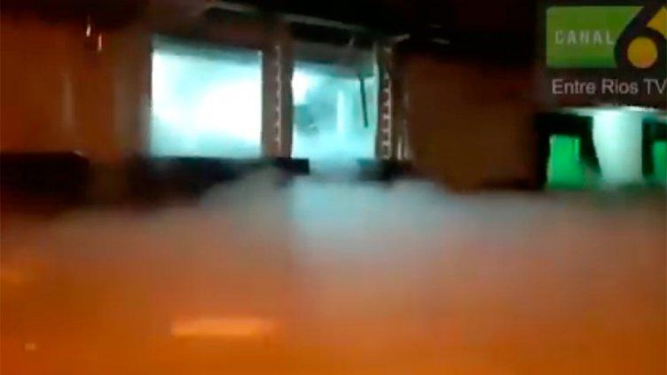 Las primeras imágenes tras la explosión en Crespo: Tres impresionantes videos