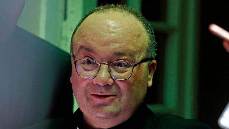 Obispo Juan Barros declaró ante enviado papal por posible encubrimiento a Karadima