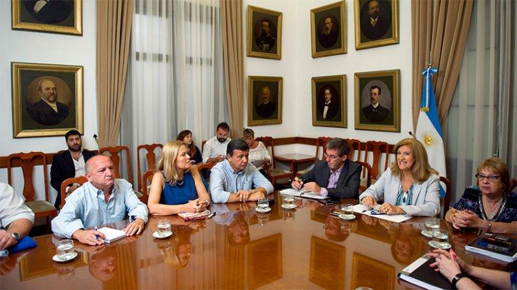 El Gobierno provincial ofreció a docentes