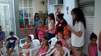 Jóvenes celíacos enseñan a los más pequeños a elegir los alimentos adecuados