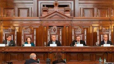 Los jueces de la Corte Suprema ganan 60% más que el Presidente: Sus sueldos