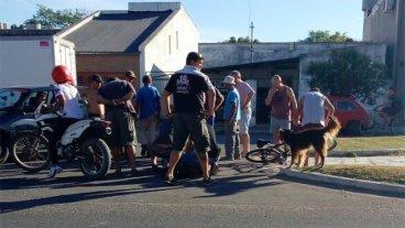 Robó una bici pero vecinos lo derribaron con un