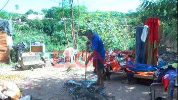 Después del fuego, la ayuda: Carlos, emocionado por la solidaridad de la gente