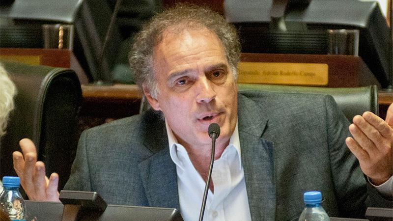 Aníbal Ibarra defenderá a Cristina Kirchner en la causa por encubrimiento