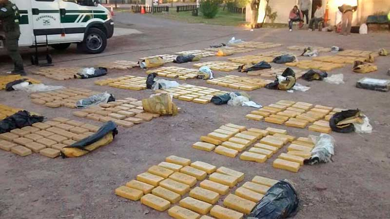 Incautan mil kilos de marihuana en operativo en Argentina