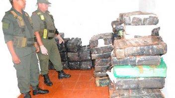 Decomisaron 1200 kilos de marihuana que se acopiaban en monoambientes