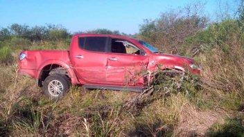 Adelantamiento indebido provocó el vuelco de un auto