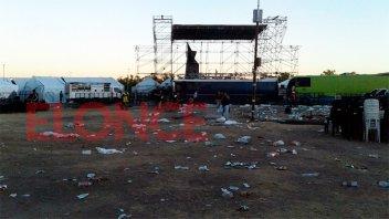 Tras la Fiesta del Mate, desarman el escenario y limpian el Parque