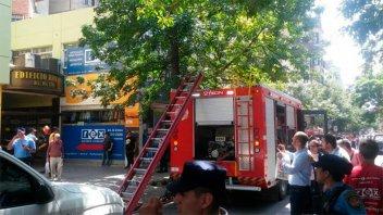Incendio en un departamento en el centro de Córdoba deja dos muertos