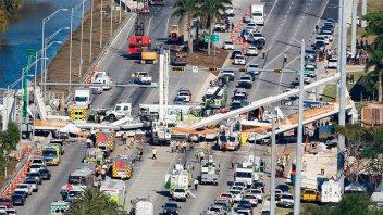 Video muestra cómo colapsó puente peatonal en Miami: Al menos 6 muertos