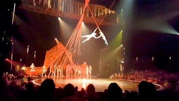 Video: Murió un acróbata de Cirque du Soleil al caer desde 4 metros en un show