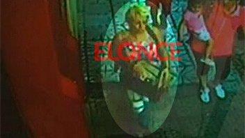 Video: Mujer robó en oficina pública y quedó registrada en una cámara