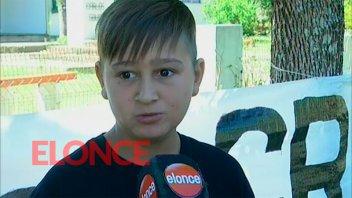 Triste relato del niño que lucha contra los fumigadores montado en su caballo