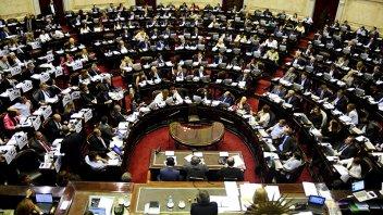 Opositores pedirán sesión especial para congelar y retrotraer tarifas