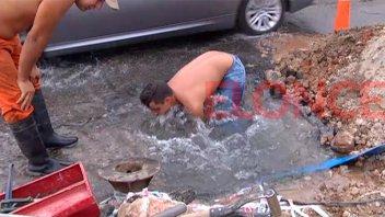 Reparaciones afectan el suministro de agua en dos zonas de la ciudad