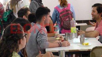 Estudiantes destacan los beneficios del comedor universitario de UNER