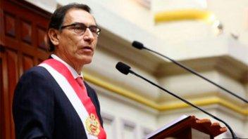 Por crisis institucional, presidente de Perú propuso recortar su mandato