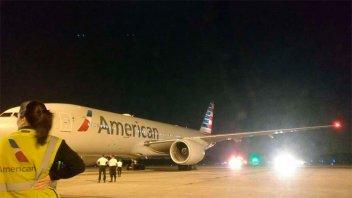 Un avión que iba de Ezeiza a Dallas debió aterrizar de emergencia
