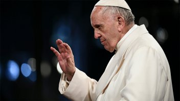 Francisco interrumpió su misa para dar  mensaje por la eliminación de Brasil