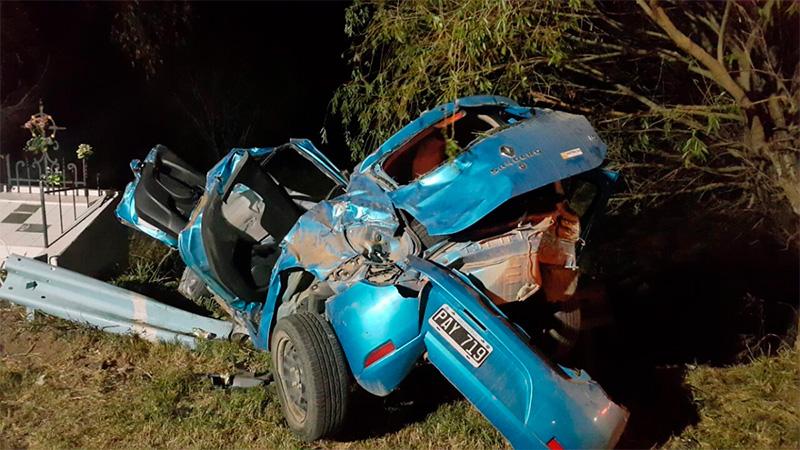 Los autos quedaron destrozados producto del tremendo impacto