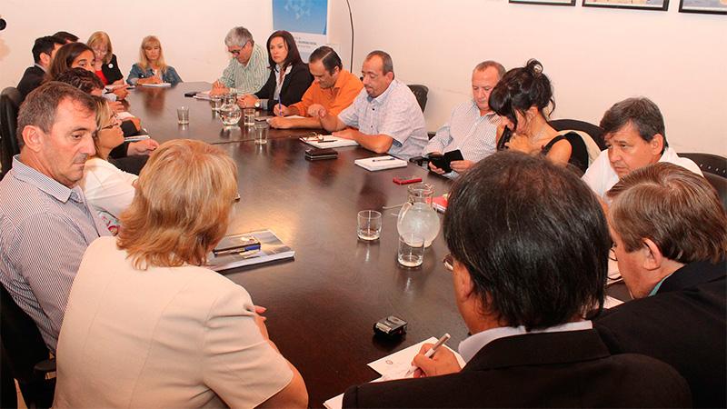 Negociaciones salariales: Estatales y docentes se reúnen hoy con el gobierno